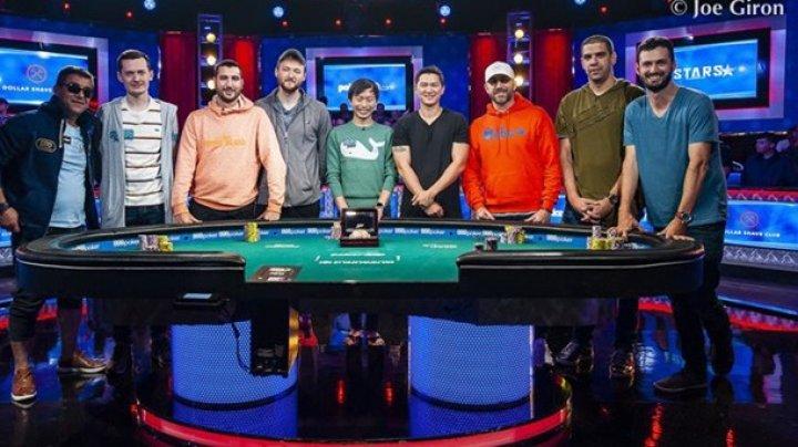 """Немецкий """"дедушка"""" лидирует в гонке за браслетом чемпиона мира по покеру"""
