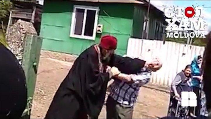 Священник из Дрокиевского района устроил драку на похоронах