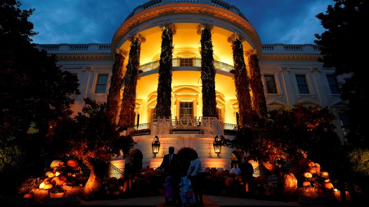 Из-за ливня в Вашингтоне затопило Белый дом