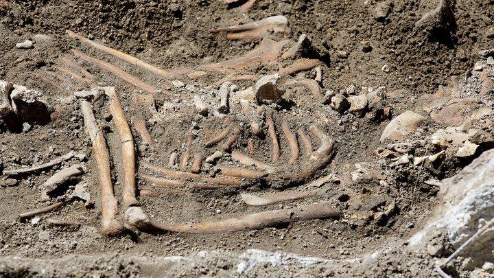 В Польше найдено древнее захоронение славянки с боевым топором