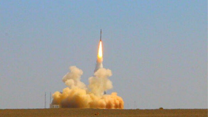 """Китай впервые вывел на орбиту спутники с помощью микроракеты-носителя """"Цзелун-1"""""""
