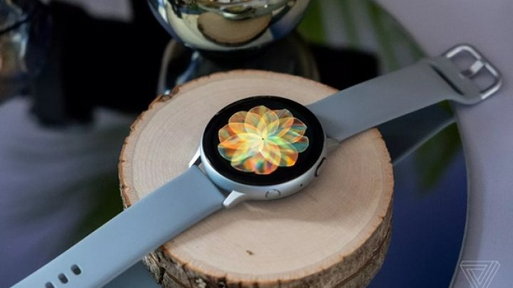 "Samsung представила ""умные"" Galaxy Watch Active 2"