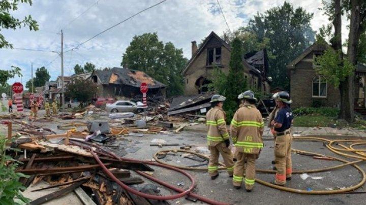В Канаде из-за ДТП разрушены семь домов, жители 100 домов эвакуированы