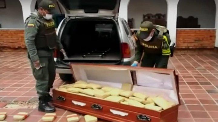 Наркодельцы пытались провезти в гробах 300 кг марихуаны (видео)