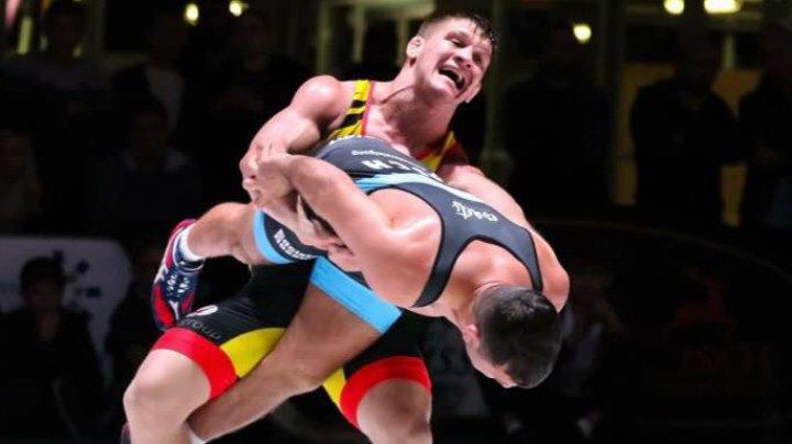 Молдавский борец Даниел Катарага получил медаль спустя год после завершения турнира