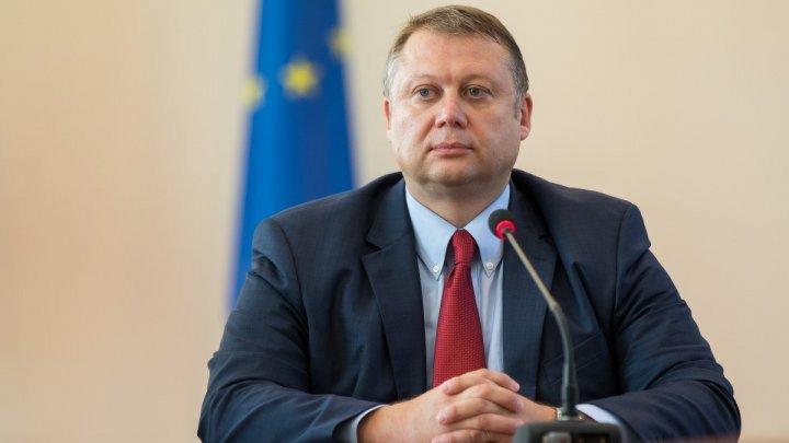 Скромный всегда хвалит сам себя: Вадим Брынзан дал оценку деятельности правительства