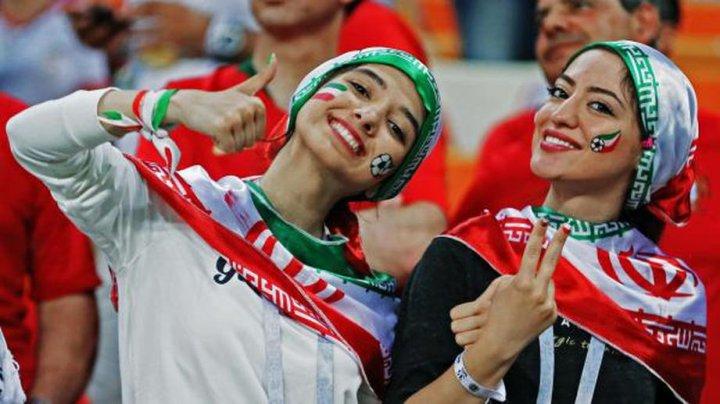 Иранским женщинам разрешили сходить на футбол