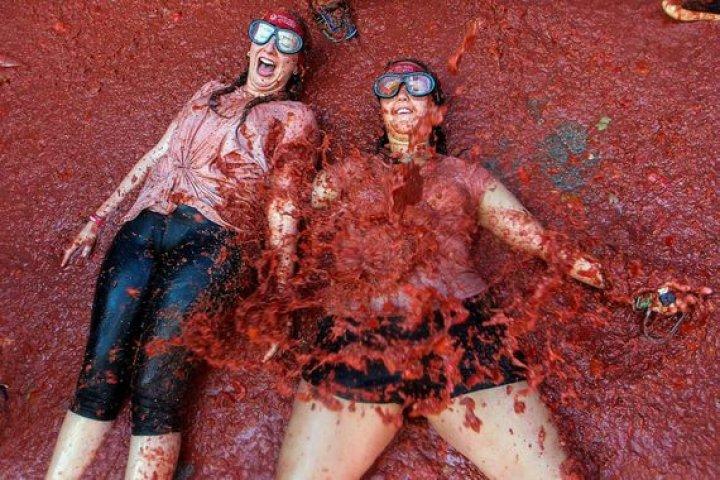 Томатная битва: В Испании прошел фестиваль La Tomatina-2019 (фото)