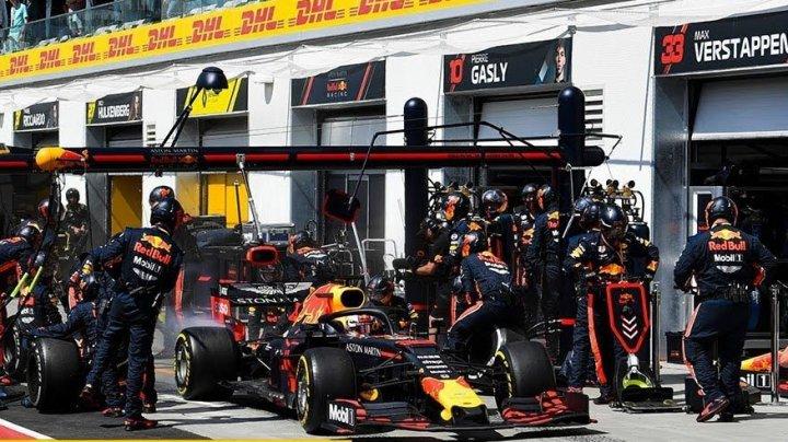 """Red Bull установила абсолютный мировой рекорд по """"переобуванию"""" болида """"Формулы-1"""" (видео)"""