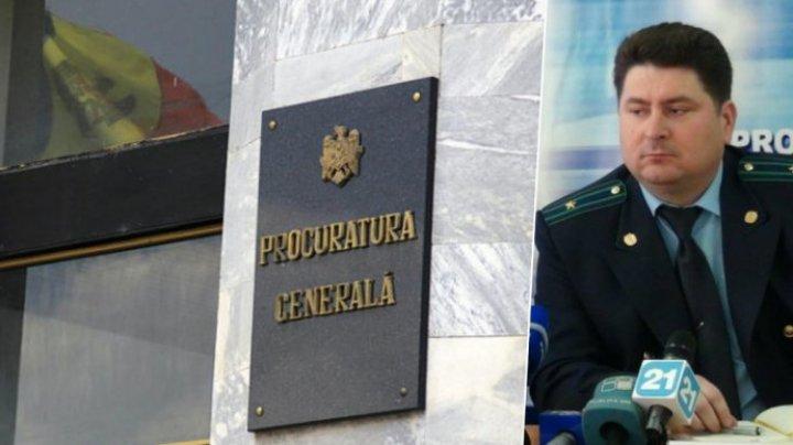 Неизвестные обвиняют прокурора Виорела Радецкого в присвоении имущества