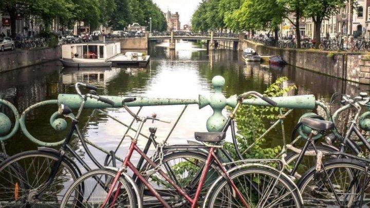 В Нидерландах открыли крупнейший велопаркинг (видео)