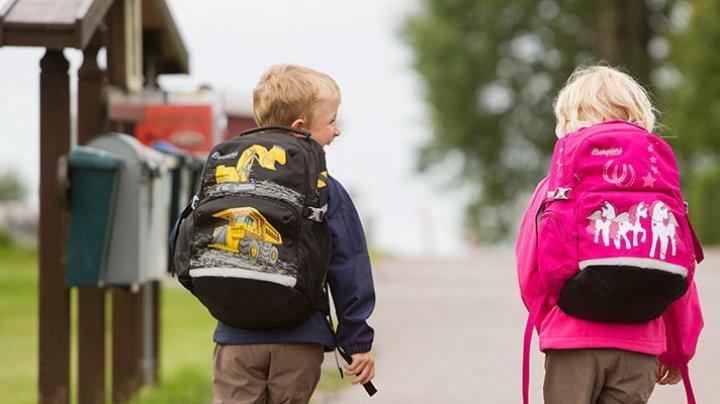 Врачи рассказали как выбрать школьный рюкзак для ребенка