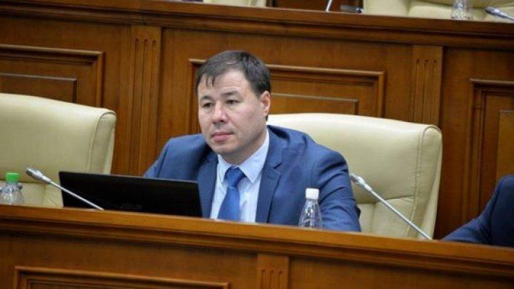 Социалисту Богдану Цырде предложили сменить депутатское кресло на работу в общепите