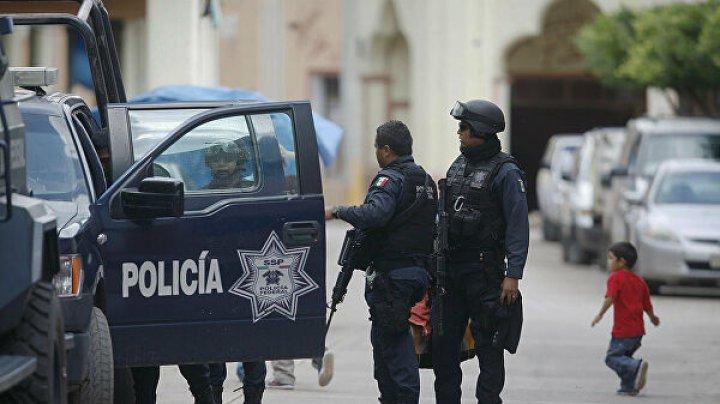 Вооружённые люди расстреляли пятерых гостей бара в Мексике
