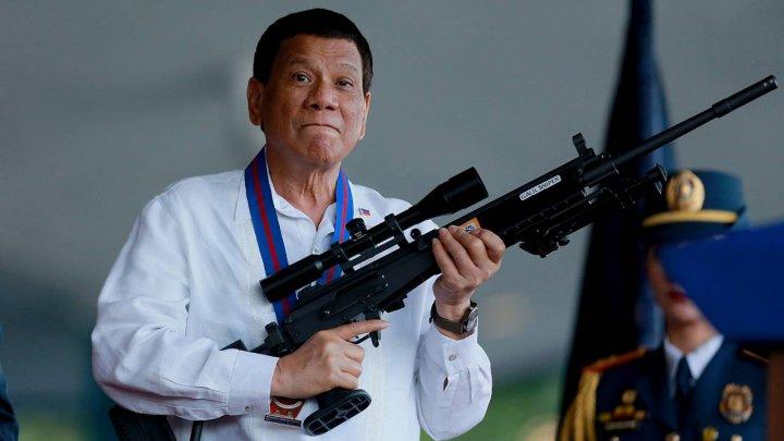 Президент Филиппин Родриго Дутерте предложил стрелять в коррумпированных чиновников