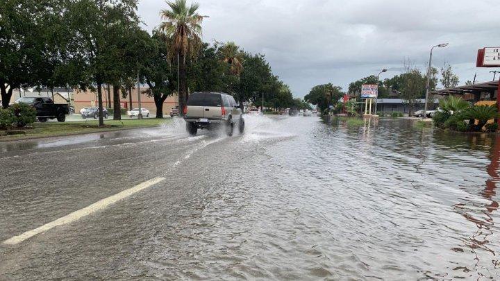 """Тропический шторм """"Имельда"""" привел к наводнениям в Техасе"""