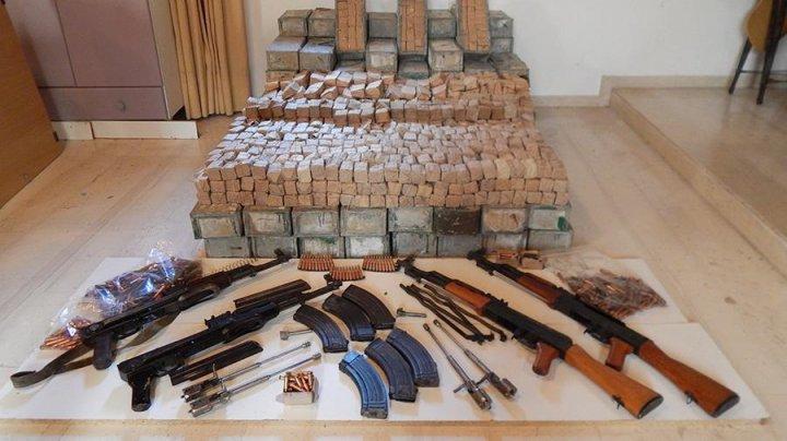 На Крите задержан грузовик с автоматами Калашникова и тысячами патронов