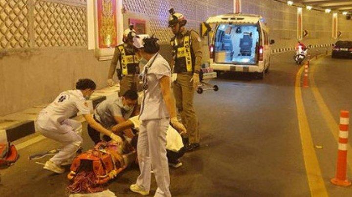 СМИ: в Таиланде два человека погибли в ДТП, разорвавшем автомобиль пополам