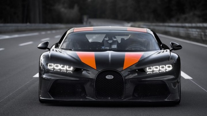 Bugatti Chiron разогнали до рекордных 490 км/ч (видео)