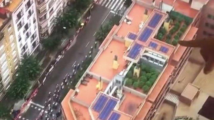 Вертолет, работавший на велогонке, случайно заснял плантацию конопли (видео)