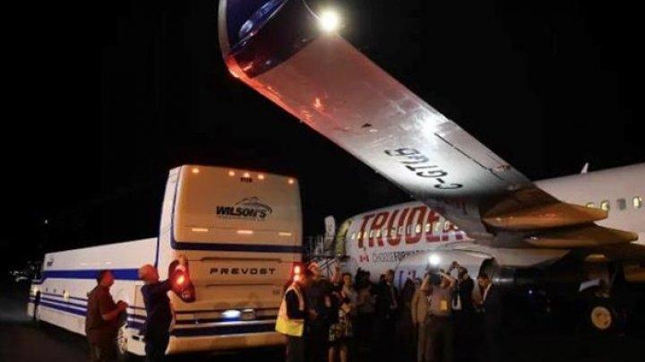В Канаде в аэропорту столкнулись самолет Джастина Трюдо и автобус