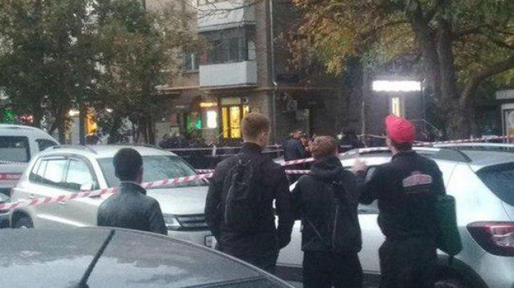 В Москве полицейские устроили перестрелку в метро