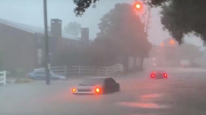 На Техас обрушился мощный шторм, есть жертвы (видео)