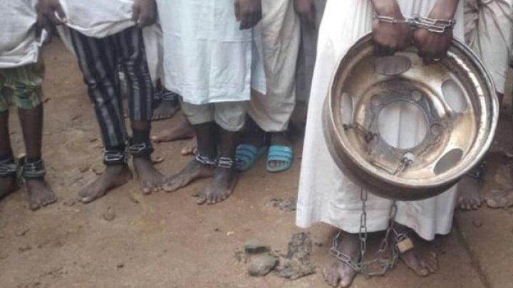 В Нигерии из школы освободили 300 учеников, подвергавшихся пыткам (ФОТО)