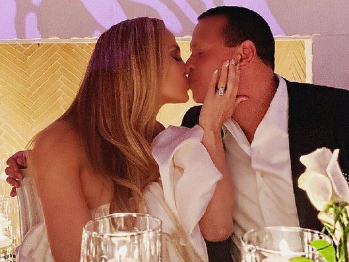 Лопес и Родригес отпраздновали помолвку (ФОТО)