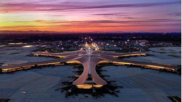 В Китае открыли аэропорт размером с 97 футбольных полей (ФОТО)