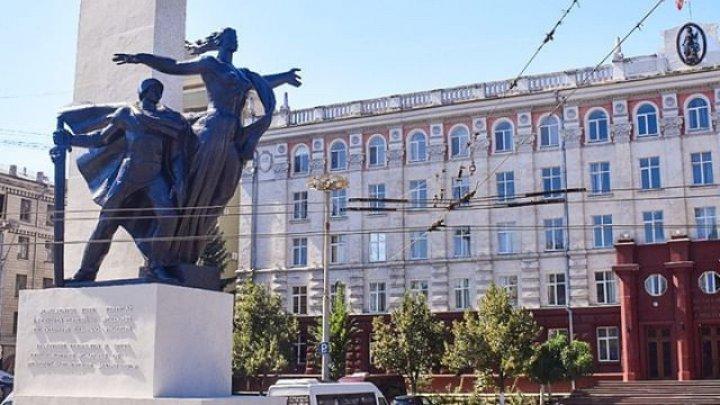 В муниципальном совете разразился скандал из-за памятника воинам-освободителям