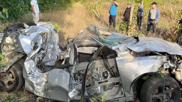 Страшная авария под Кишиневом: машина превратилась в груду металла (фото)