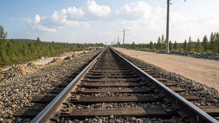 В столице женщина погибла под колесами локомотива: рассказ машиниста