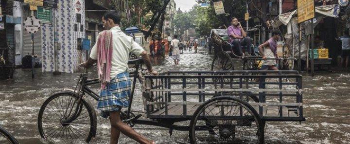 Сезон муссонных дождей в Индии унес жизни 100 человек (ФОТО)