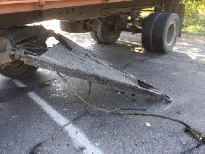 Авария в Единецком районе: Один человек погиб, двое получили ранения (фото)