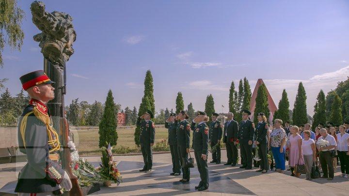 Национальная армия Молдовы отмечает 28-летие со дня основания (фоторепортаж)