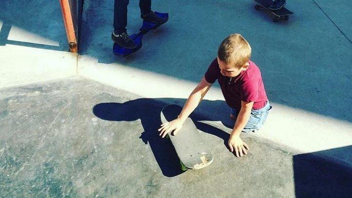 Максим Абрамов, мальчик без ног, стал профессиональным скейтбордистом