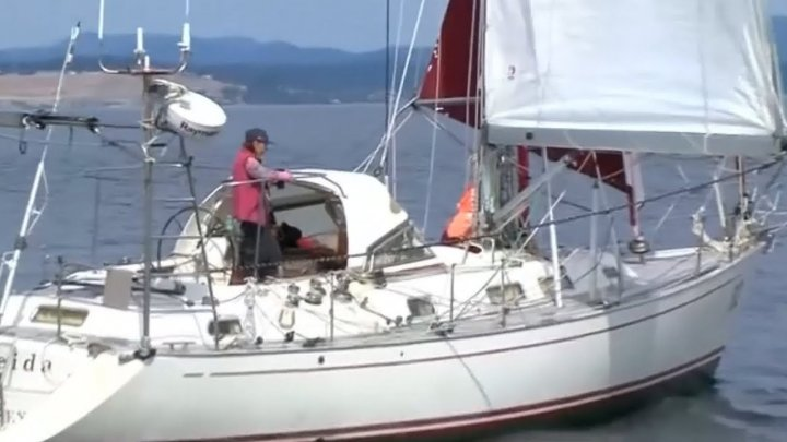 Женщина в 77 лет в одиночку совершила кругосветку на яхте