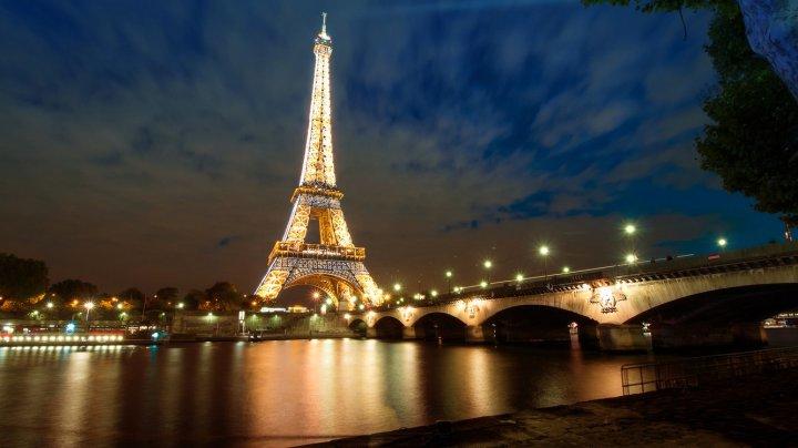 На Эйфелевой башне погасят огни в память о Жаке Шираке