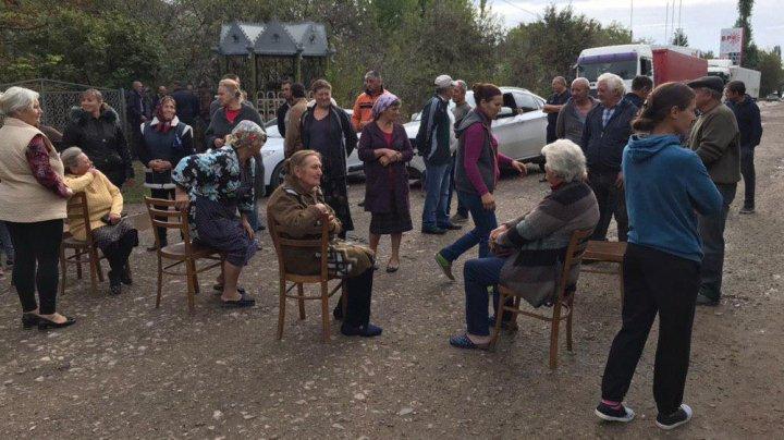 Протест жителей села Григорьевка: чем недовольно местное население (фото)