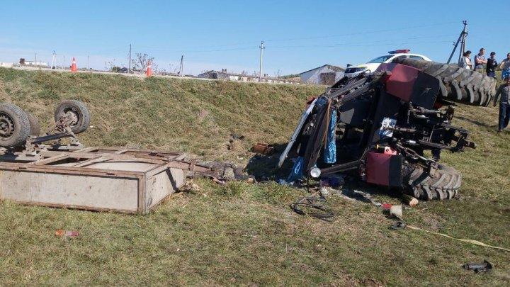 В Хынчештском районе перевернулся трактор: погибла женщина