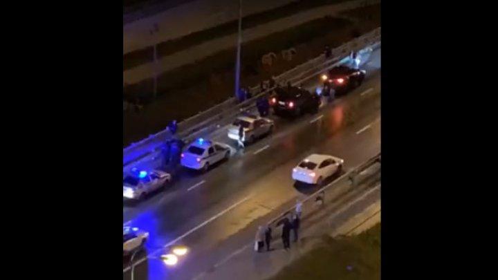 Женщина сбросила двух детей с моста в Москве