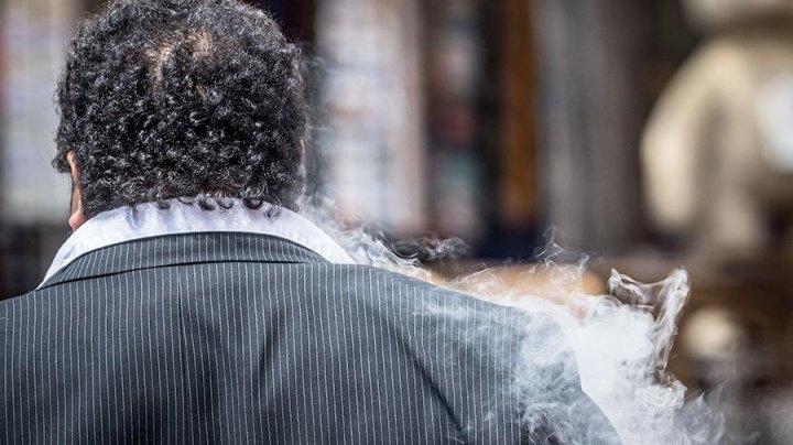 В США зафиксировали девятый случай смерти от курения вейпа
