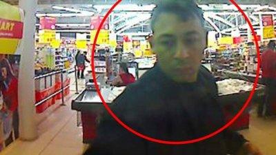 Полиция просит помощи в поиске мужчины, который украл банковскую карту и снял деньги (ФОТО)
