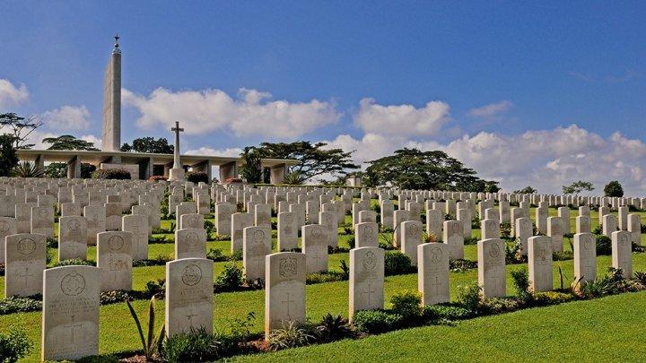 На кладбище Сингапура родственники 39 лет посещали не те могилы из-за ошибки похоронной службы