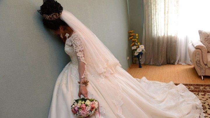 Видео, как в Киргизии жених украл рыдающую 16-летнюю невесту, шокировало соцсети