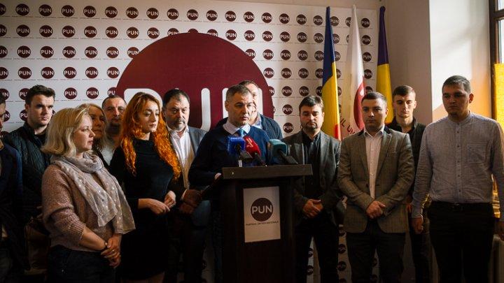 Октавиан Цыку отказывается от мандата муниципального советника