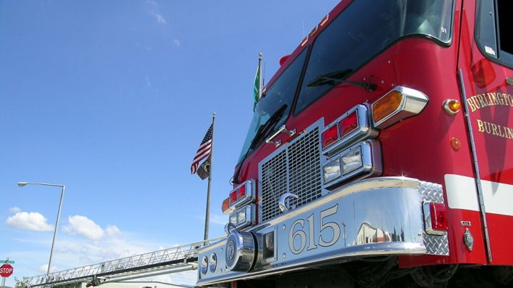 В Калифорнии около ста тысяч человек эвакуировали из-за природных пожаров