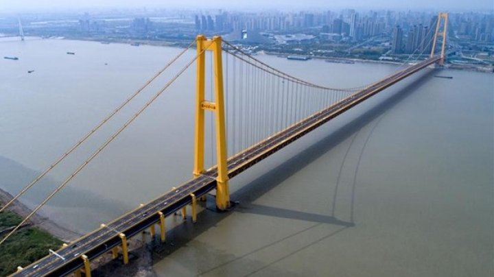 В Китае открыли самый длинный в мире двухэтажный автомобильный мост (ФОТО)