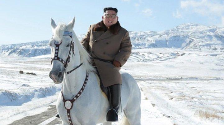 Ким Чен Ын на белом коне поднялся на гору Пэктусан